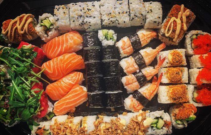 family sushi box